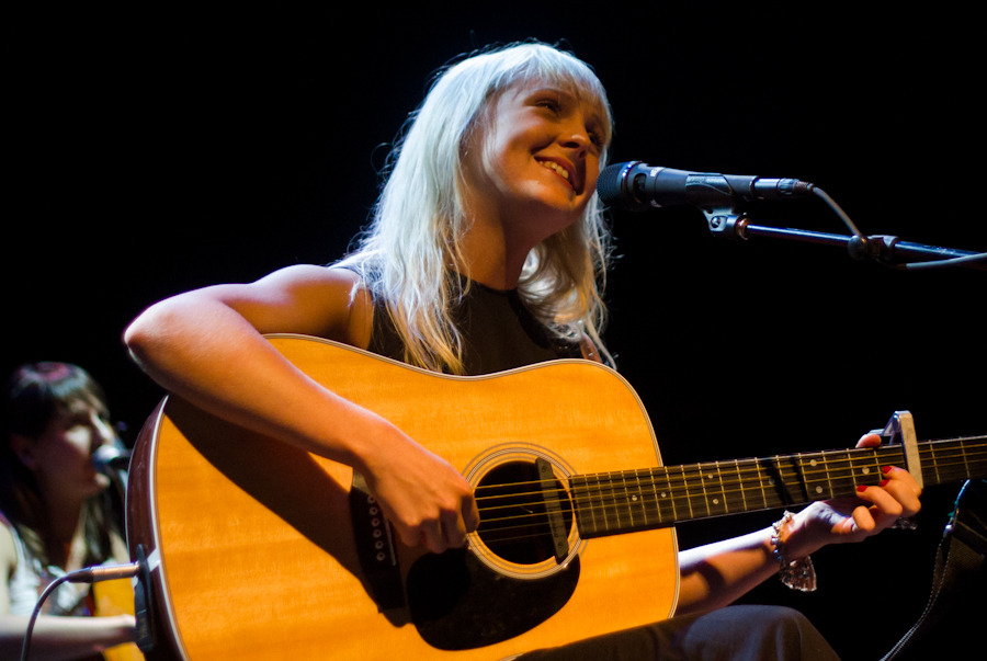 lauramarling_061312-43ff0.jpg