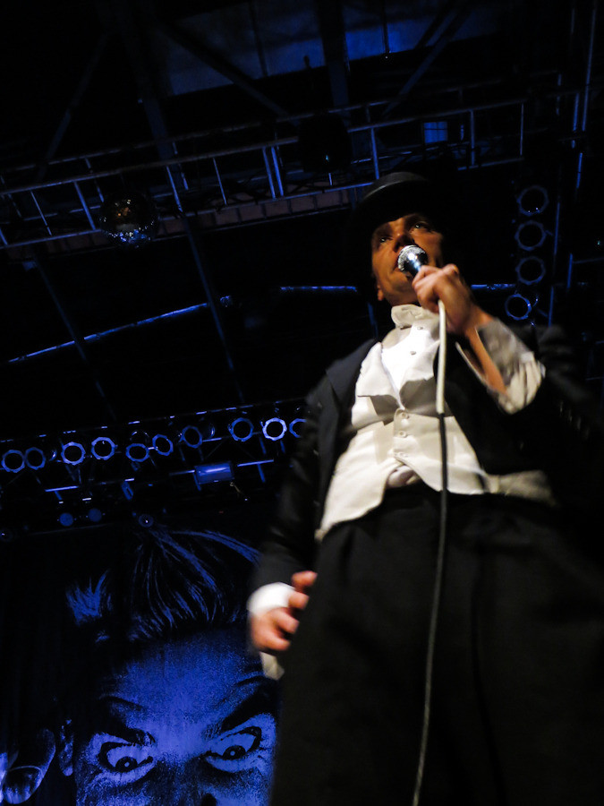 thehives_061912-1.jpg