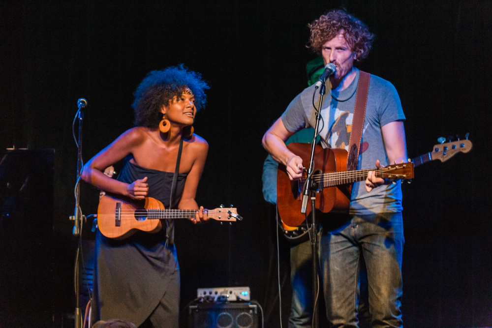 Birds of Chicago performing at Jammin' Java in Vienna, VA - 8/2/2015 (photo by Matt Condon)
