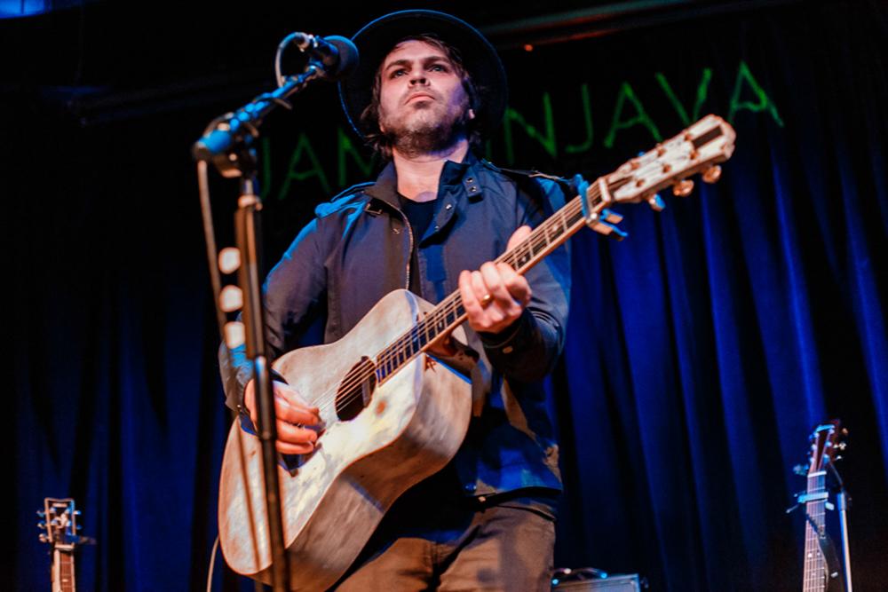 Gaz Coombes performing at Jammin' Java in Vienna, VA (photo by Matt Condon / @arcane93)
