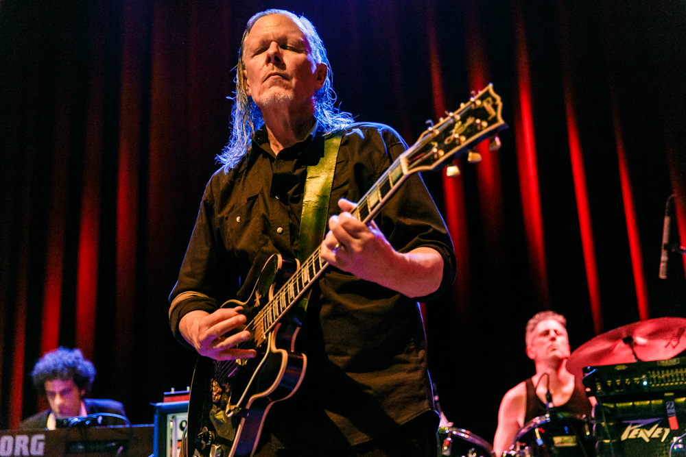 Swans performing at the 9:30 Club in Washington, DC - 7/28/2016 (photo by Matt Condon / @arcane93)