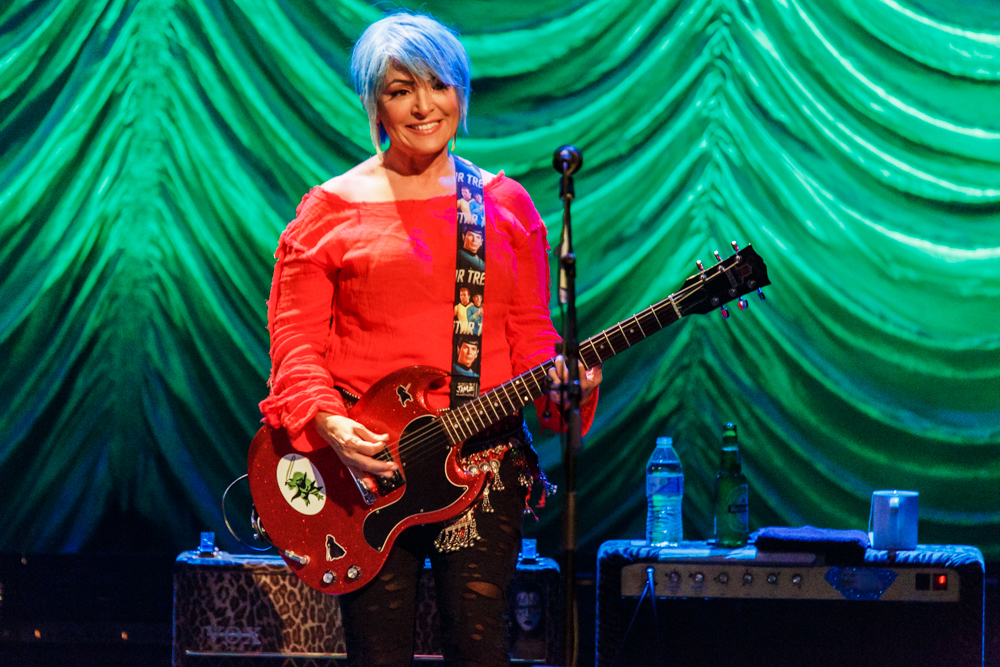 The Go-Go's performing at the Warner Theatre - 8/5/2016 (photo by Matt Condon / @arcane93)