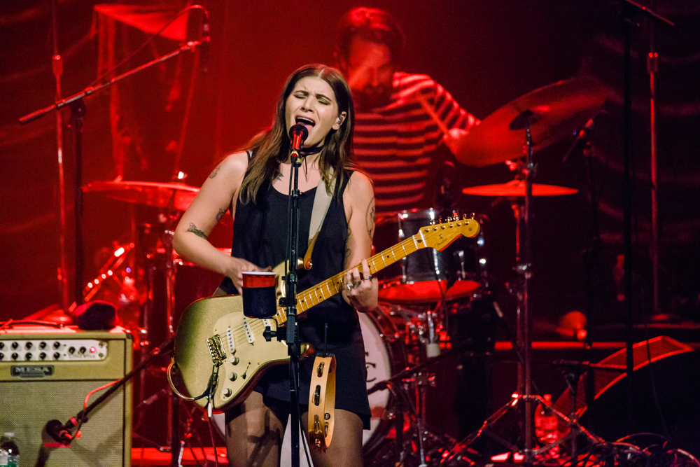 Best Coast performing at the Warner Theatre - 8/5/2016 (photo by Matt Condon / @arcane93)