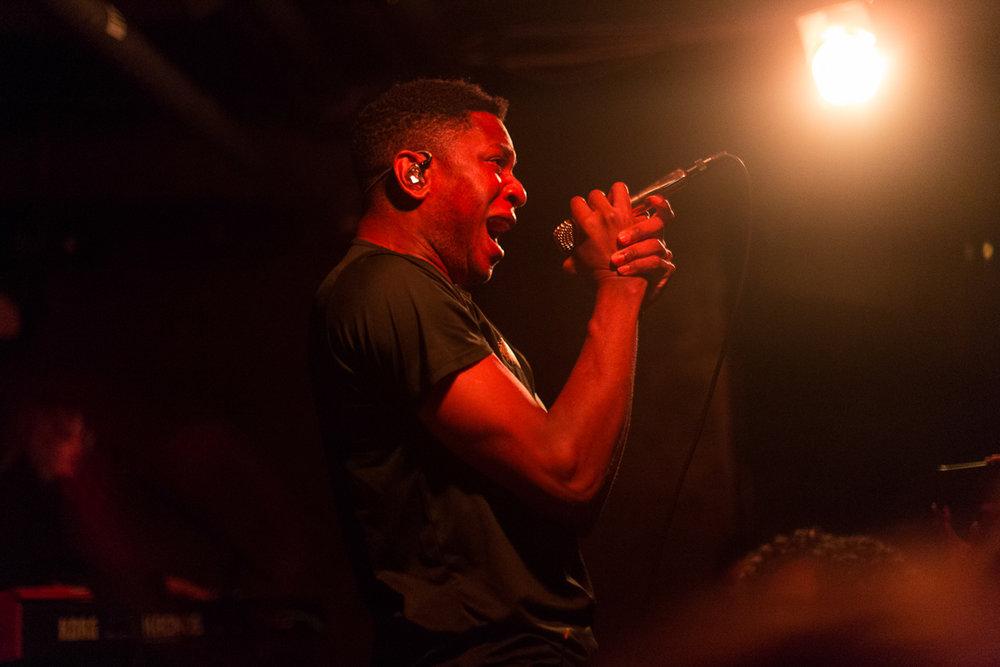 Gallant performing at U Street Music Hall in Washington, DC - 8/23/16 (photo by Mauricio Castro / @themauricio)