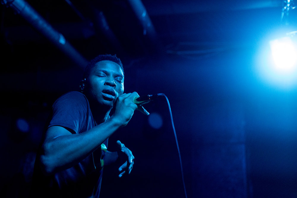 Gallant performing at U Street Music Hall in Washington, DC - 8/23/16 (photo by Mauricio Castro / @themauricio)