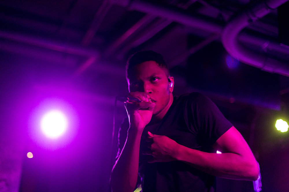 Gallant performing at U Street Music Hall on 8/23/16 (photo by Mauricio Castro /  @TheMauricio )