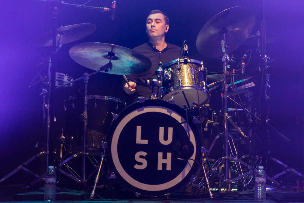 Lush performing at the 9:30 Club in Washington, DC - 9/21/2016 (photo by Matt Condon/@arcane93)