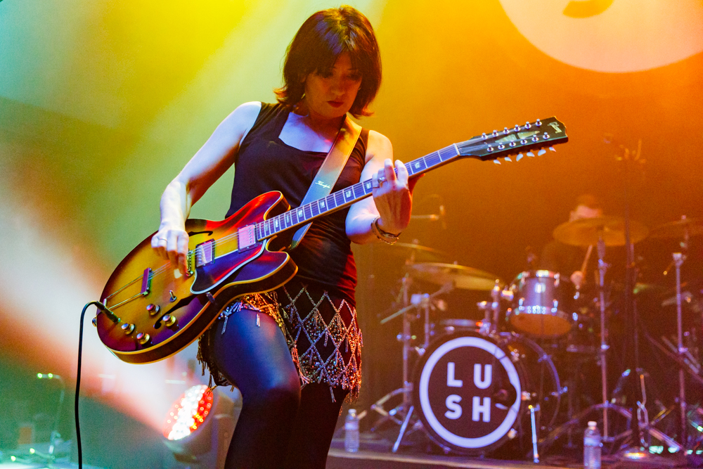 Lush performing at the 9:30 Club in Washington, DC on September 21st, 2016 (photo by Matt Condon / @arcane93)