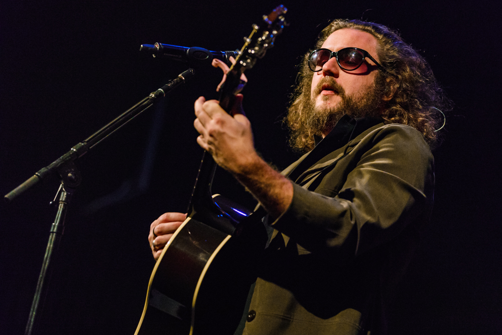 Jim James performing at the Warner Theatre in Washington, DC on November 19th, 2016 (photo by Matt Condon / @arcane93)
