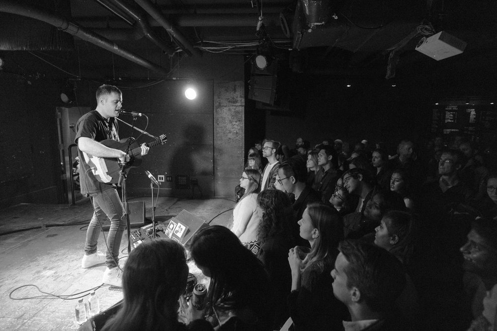 Benjamin Francis Leftwich performing at U Street Music Hall in Washington, DC - 11/12/16 (photo by Mauricio Castro/@TheMauricio)