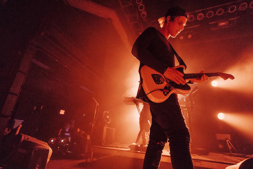 RÜFÜS DU SOL performing at the 9:30 Club in Washington, DC -11/3/16 (photo by Mauricio Castro/@TheMauricio)