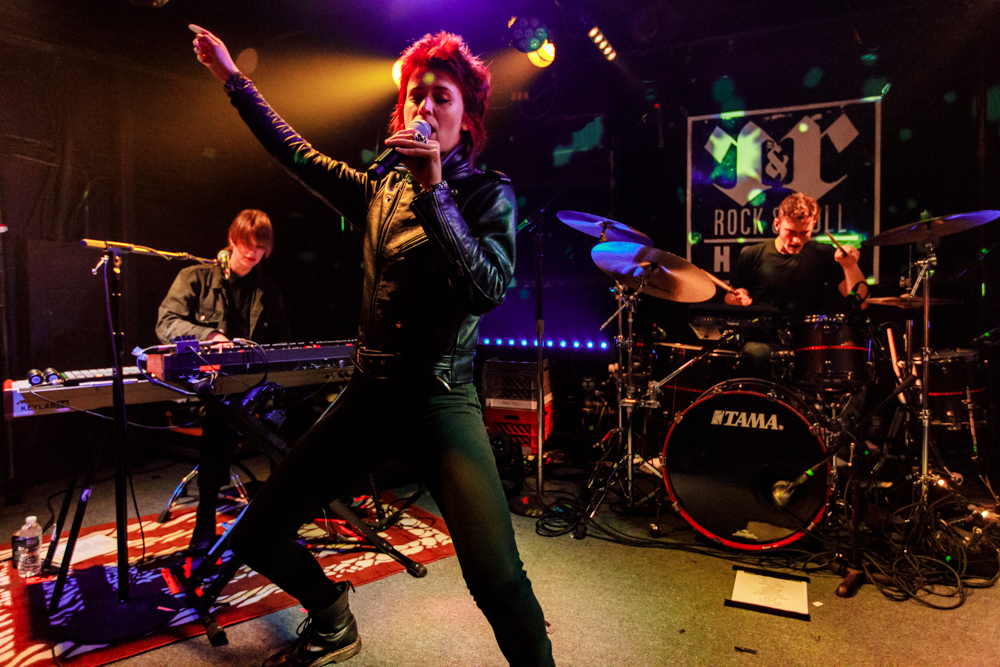 The Jezabels performing at the Rock and Roll Hotel in Washington, DC - 12/5/2016 (photo by Matt Condon / @arcane93)