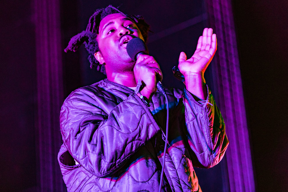 Sampha performing at Merriweather Post Pavilion in Columbia, MD - 5/6/2017 (photo by Matt Condon / @arcane93)