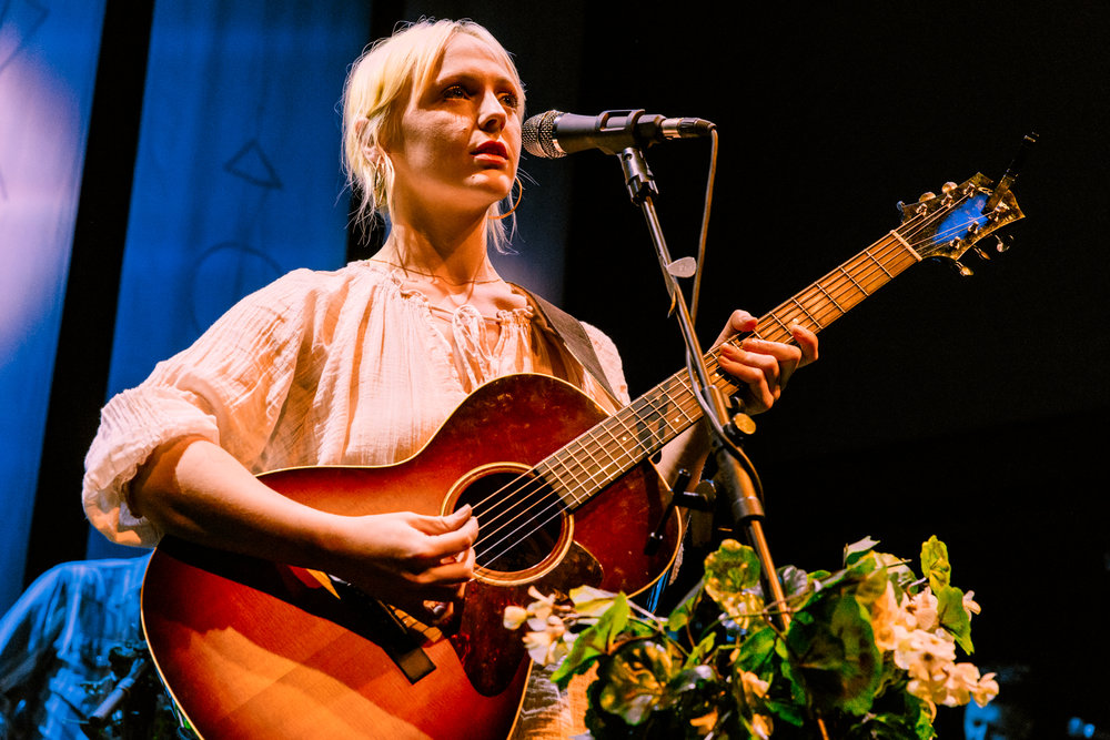 Laura Marling performing at the 9:30 Club in Washington, DC on May 21st, 2017 (photo by Matt Condon /  @arcane93 )