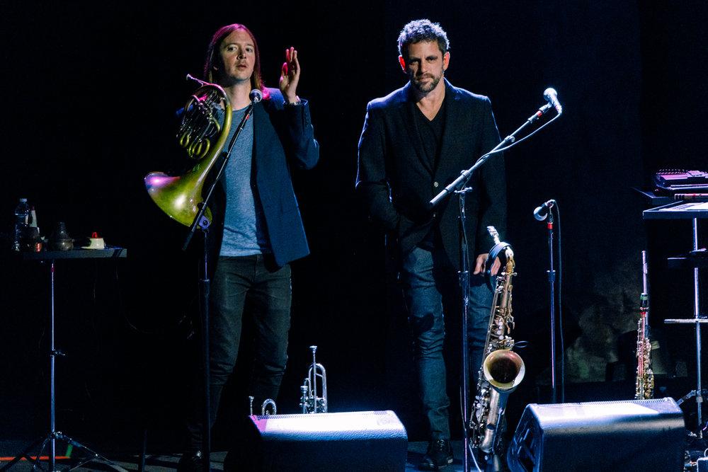 Paul Simon performing at Merriweather Post Pavilion in Columbia, MD - 6/9/2017 (photo by Matt Condon / @arcane93)