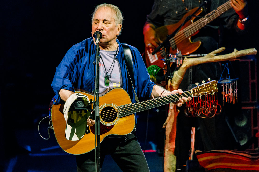 Paul Simon performing at Merriweather Post Pavilion in Columbia, MD on June 9th, 2017 (photo by Matt Condon /  @arcane93 )