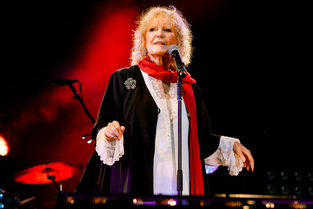 Petula Clark at Fairport's Cropredy Convention (photo by Matt Condon / @arcane93)