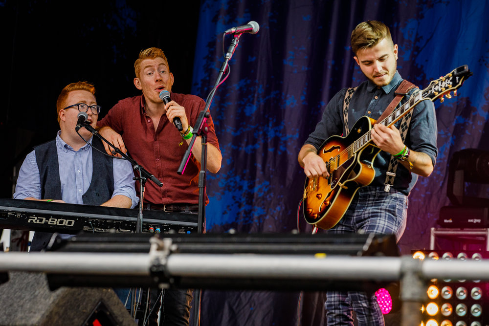 CC Smugglers at Fairport's Cropredy Convention (photo by Matt Condon / @arcane93)