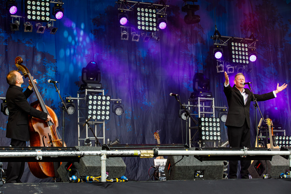Gerry Colvin at Fairport's Cropredy Convention (photo by Matt Condon / @arcane93)