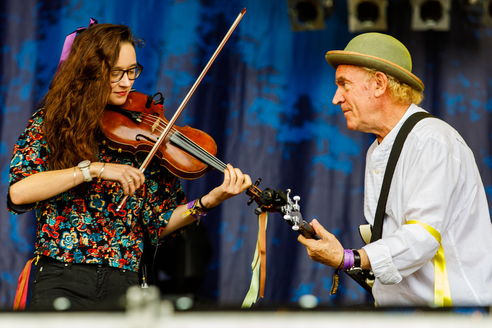 Morris On at Fairport's Cropredy Convention (photo by Matt Condon / @arcane93)