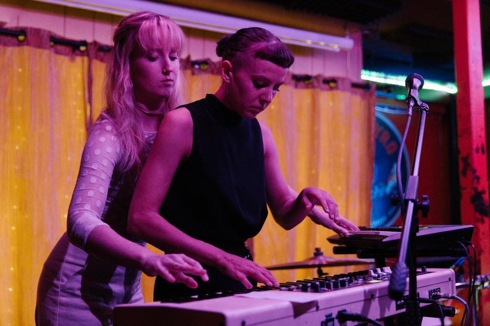 Gracie and Rachel at Songbyrd (Photo by Mauricio Castro /  @themauricio )