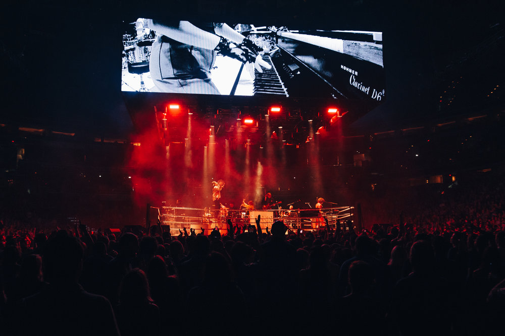 Arcade Fire's 360-degree stage at Capital One Arena (Photo by Mauricio Castro / @themauricio)