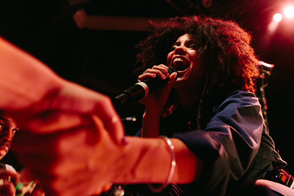 Ibeyi at 9:30 Club (Photo by Mauricio Castro /  @themauricio )