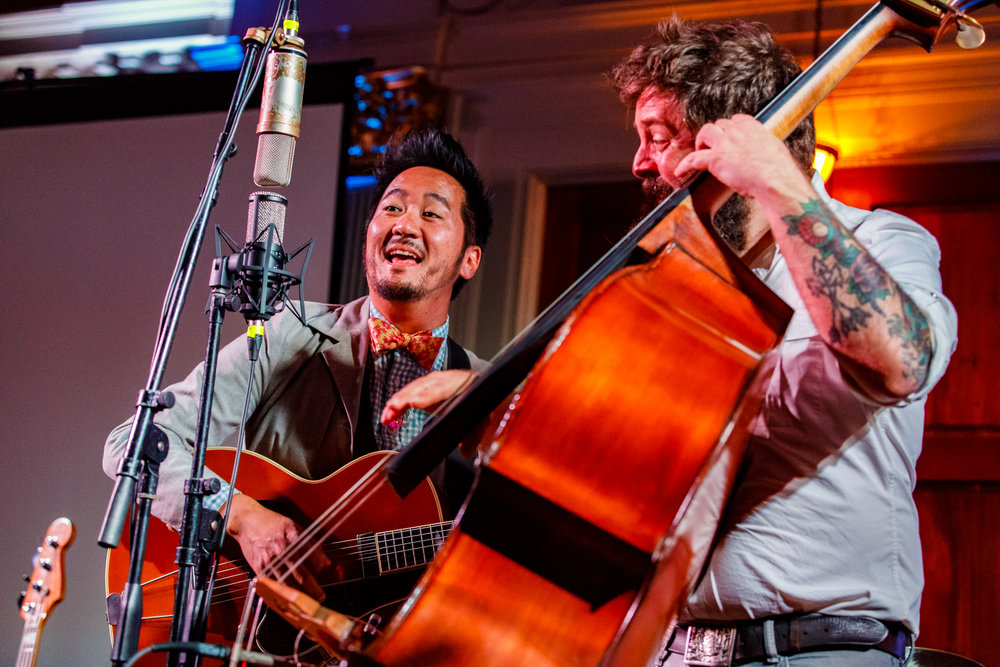 Kishi Bashi performing at Sixth and I in Washington, DC - 11/6/2017 (photo by Matt Condon / @arcane93)