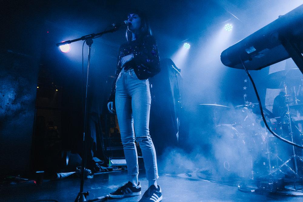 Sasha Sloan @ U Street Music Hall (Photo by Mauricio Castro /  @themauricio )