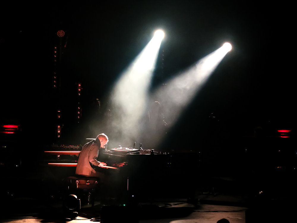 Ólafur Arnalds @ Lincoln Theatre (Photo by Chris Chen /  @themauricio )