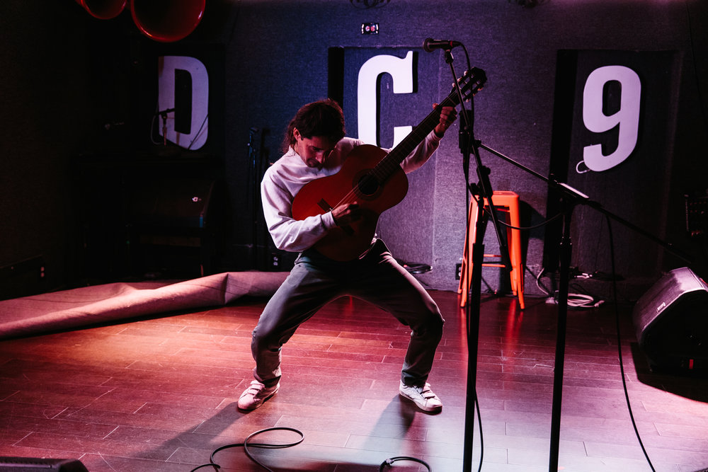 Juan Wauters at DC9 (Photo by Mauricio Castro)
