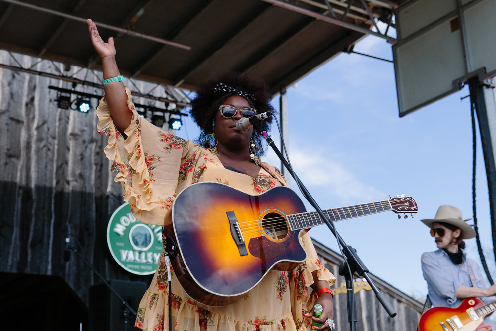 Yola at Luck Reunion (Photo by Mauricio Castro)