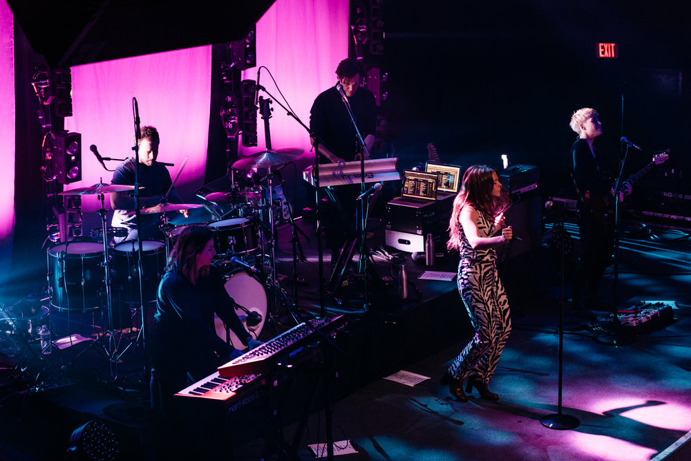 Maggie Rogers at 9:30 Club (Photo by Mauricio Castro)