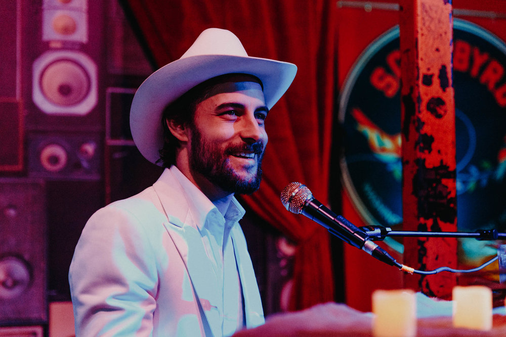Robert Ellis at Songbyrd (Photo by Mauricio Castro)