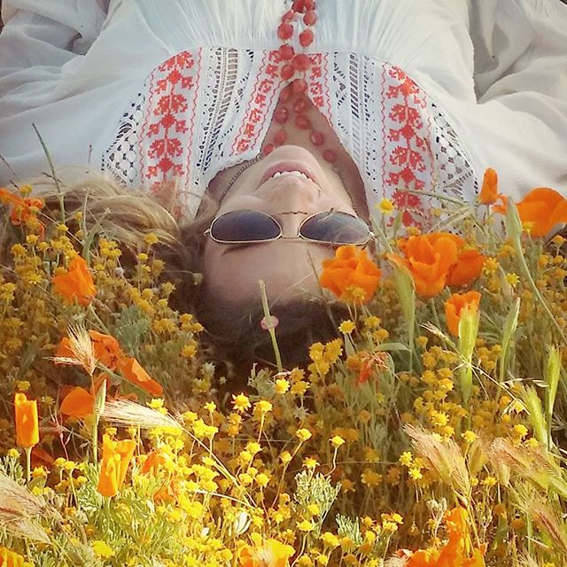 Pretending I'm in a tampon/ambien/yogurt ad #poppies #antelopevalley #california