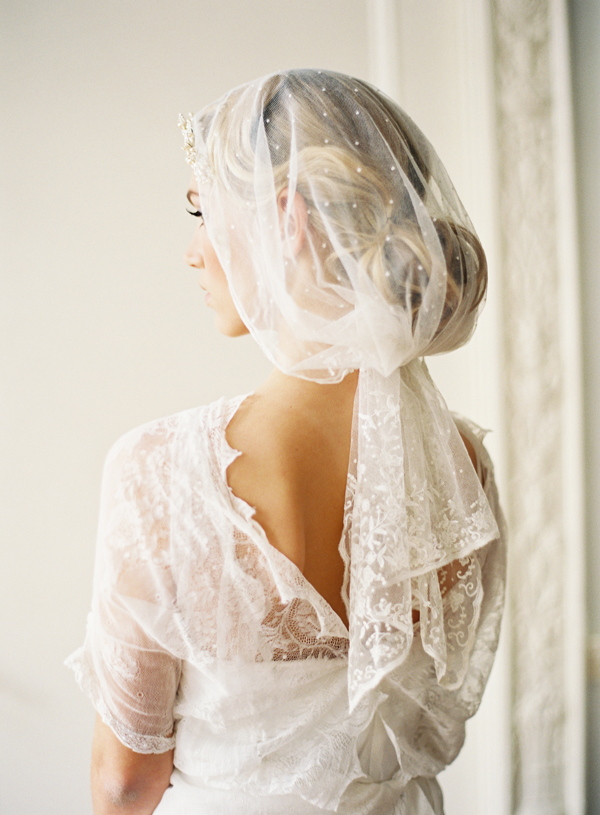 vintage-lace-wedding-veils.jpg