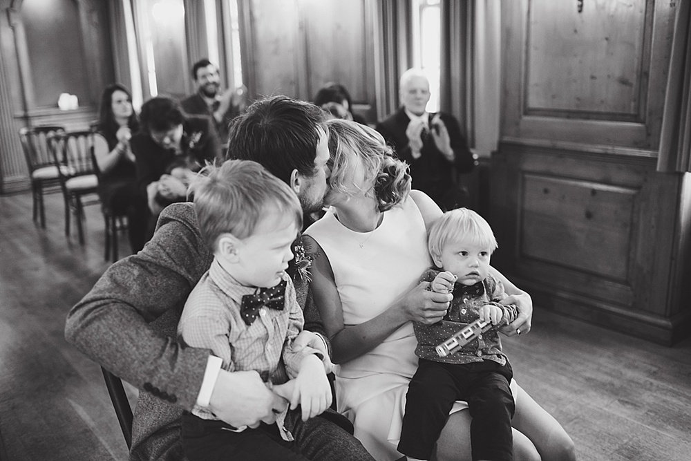 Family first kiss - burgh house
