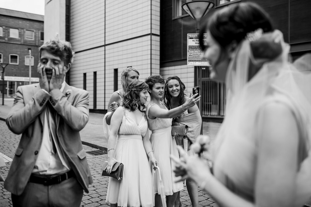 alternative wedding pictures - wedding reportage birmimgham - Birmimgham wedding