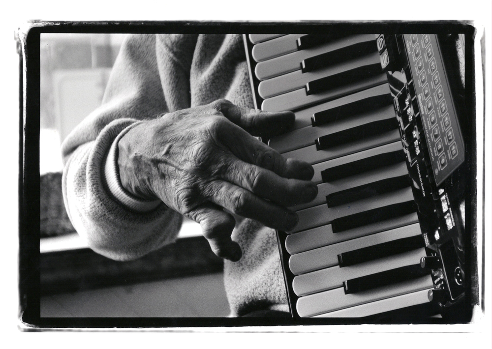 chuck bednarik hands.jpg