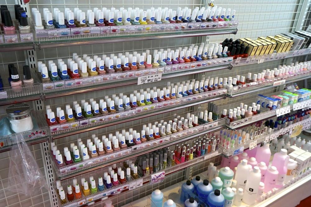 Estessimo Tins at the TAT nail store, Shibuya, Tokyo