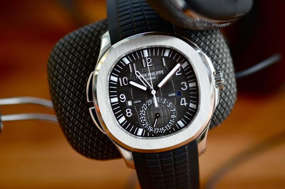 In Depth The Patek Philippe Aquanaut Travel Time