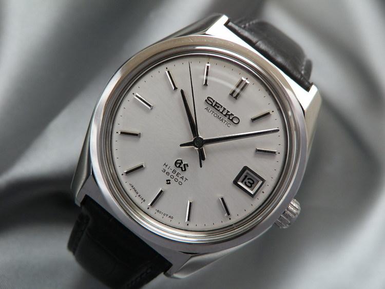 Je vais sans doute vous décevoir,  je trouve que cette montre est un évènement $T2eC16Z,!zoE9s5ngM9gBQ,JMjhYpQ~~60_57