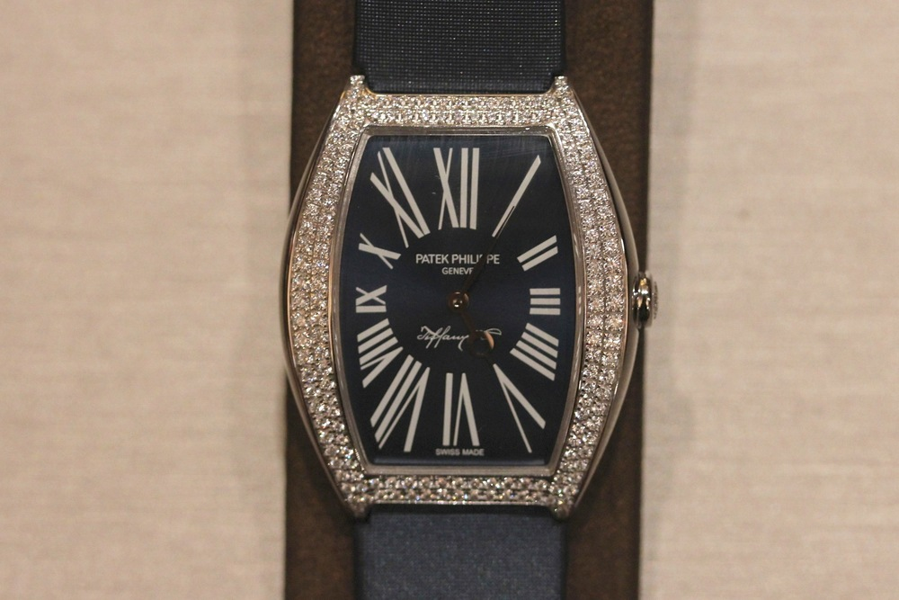 Ladies Anniversary Watch With Blue Matte Sunburst Dial