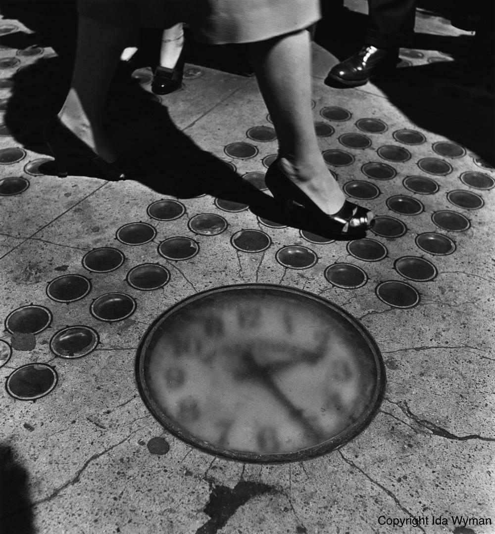 Sidewalk Clock (1947)