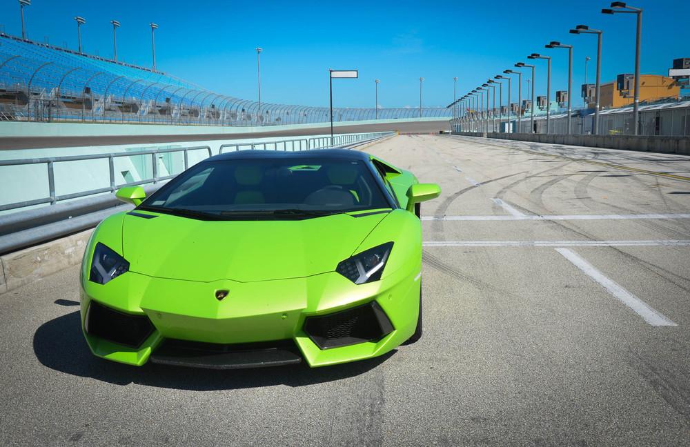 LamborghiniAventadorRoadster-2.jpg