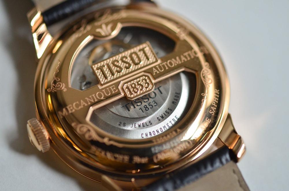 The Le Locle Chronometre's Split Display Back