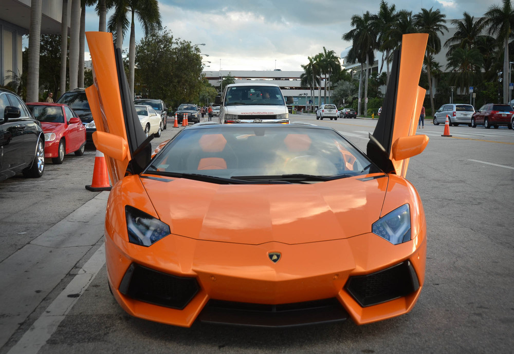 LamborghiniAventadorRoadster-3.jpg