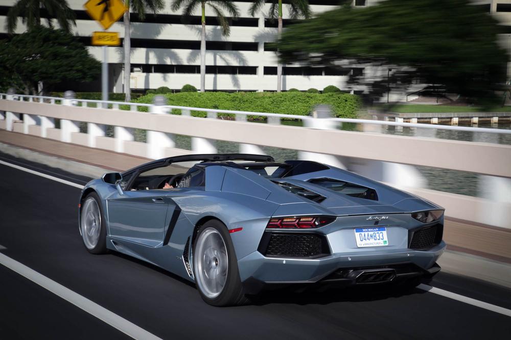 LamborghiniAventadorRoadster-35.jpg