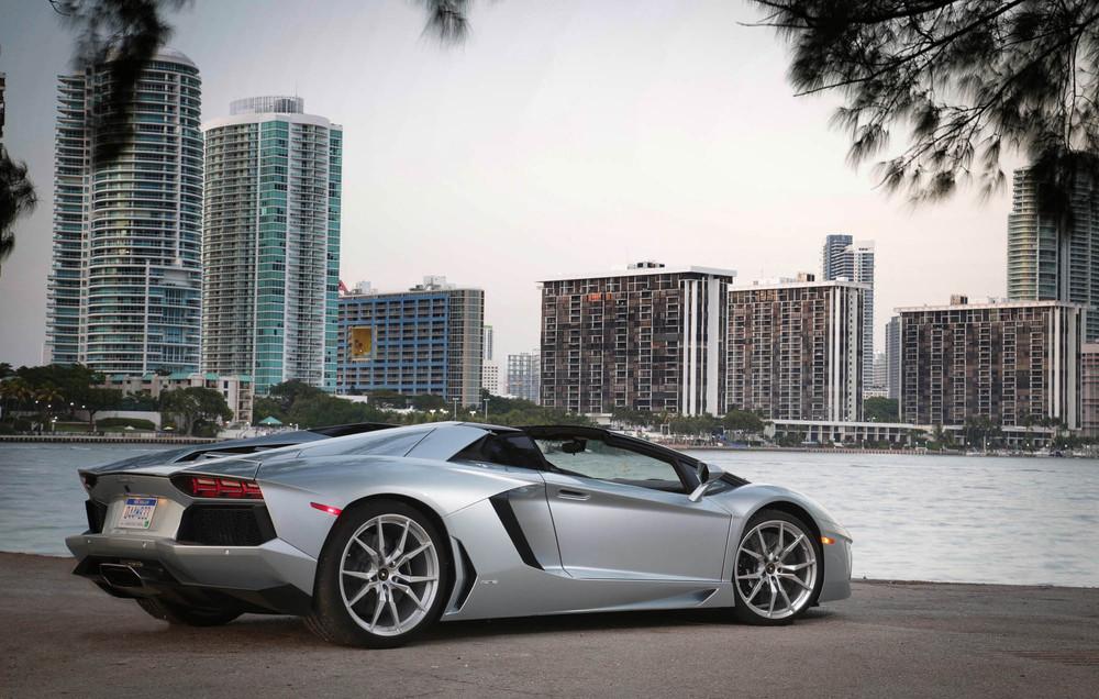 LamborghiniAventadorRoadster-30.jpg
