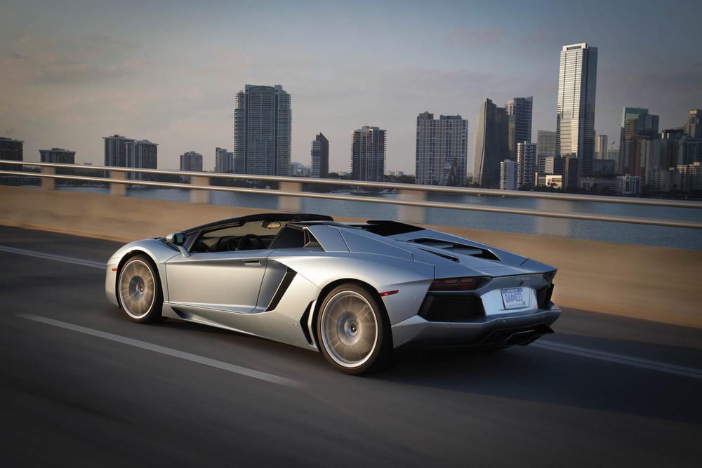 LamborghiniAventadorRoadster-27.jpg